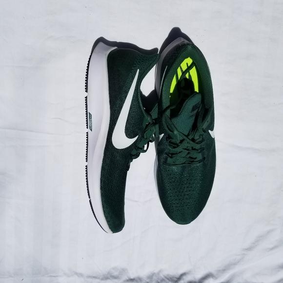Dark Green Running Shoes Nike   Poshmark